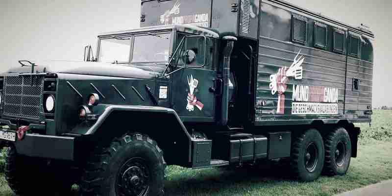 Militär LKW zum Foodtruck umgebaut