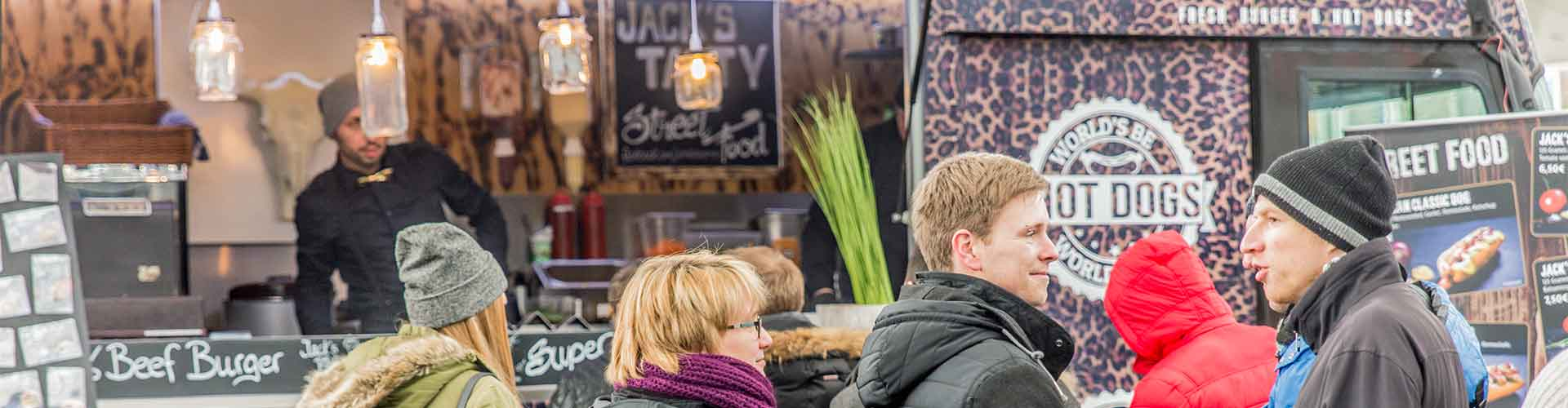 Street Food Kunden am Foodtruck Jack's Tasty